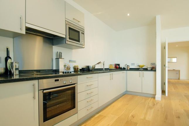 2 bed flat to rent in The Foundry, Shoreditch