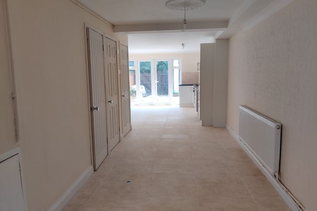 Thumbnail Terraced house to rent in Norman Cres, Hounslow