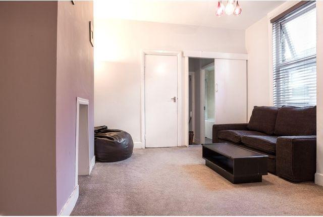 Thumbnail Flat to rent in Newport Road, Leyton, London
