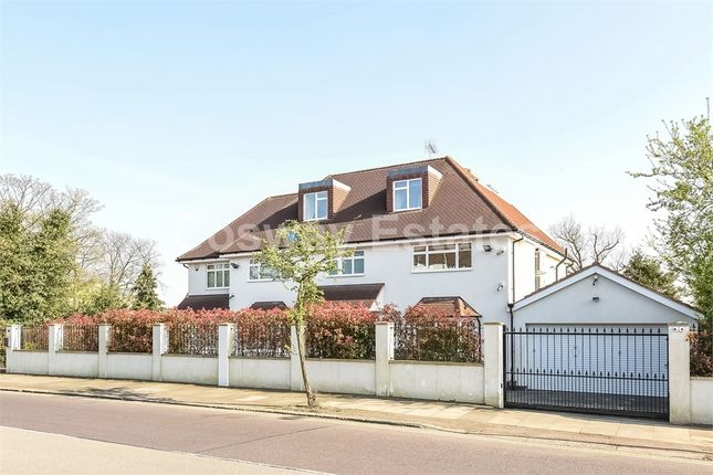 Thumbnail Detached house for sale in Engel Park, Mill Hill, London