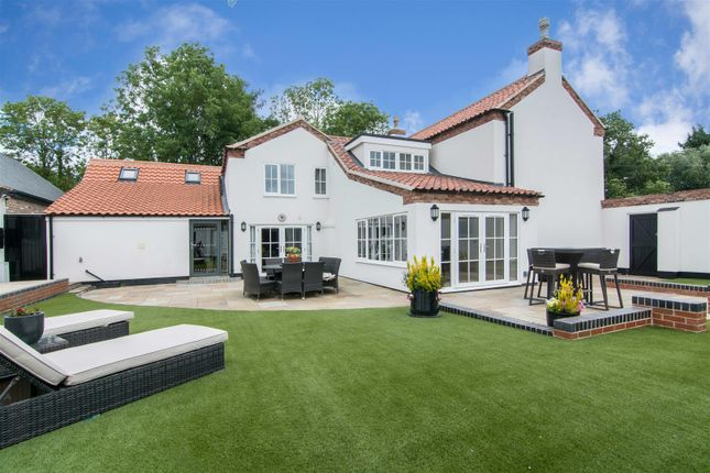 Thumbnail Cottage for sale in Southwell Road, Lowdham, Nottingham