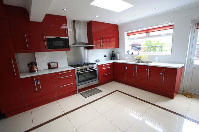Thumbnail Terraced house to rent in Manor Road, Mitcham
