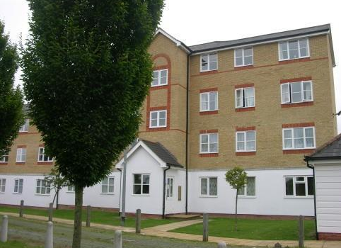 Thumbnail Flat to rent in Clarence Close, New Barnet