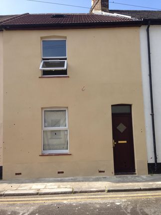 Thumbnail Shared accommodation to rent in Saunders Street, Gillingham, Kent