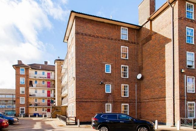 4 bed flat for sale in Hollybush Gardens, London E2