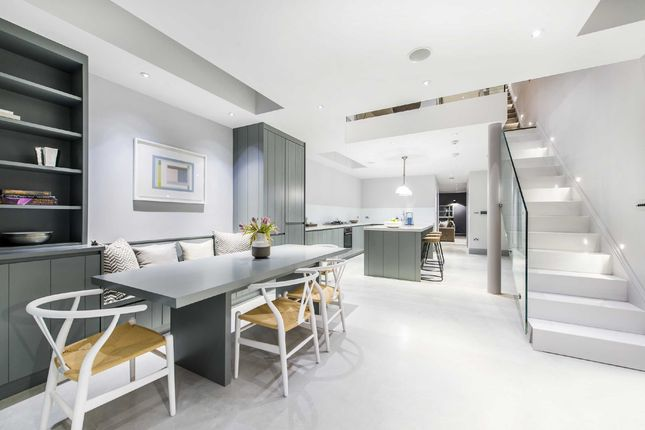 Thumbnail Terraced house for sale in Rosebury Road, Fulham, London
