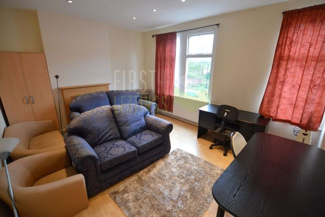 Living Room of Prebend Street, Leicester LE2