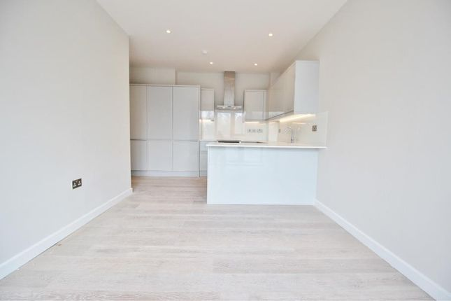 Thumbnail Flat for sale in Station Road, New Barnet
