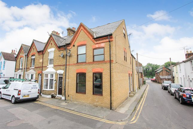 Thumbnail Maisonette to rent in Swanfield Road, Whitstable, Kent