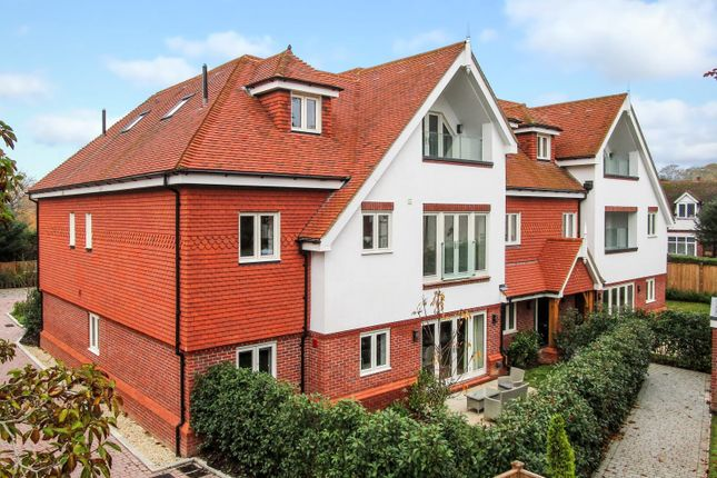 Thumbnail Flat for sale in Cranley Road, Guildford