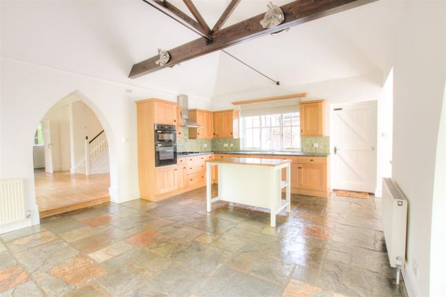 Thumbnail Semi-detached house to rent in Shendish, Hemel Hempstead