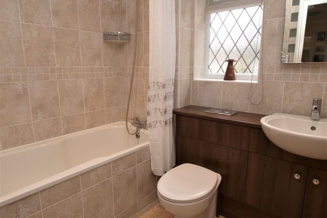 G/F Bathroom of Spurway Park, Polegate BN26