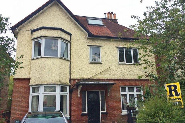Thumbnail Flat to rent in Talbot Road, Winton, Bournemouth