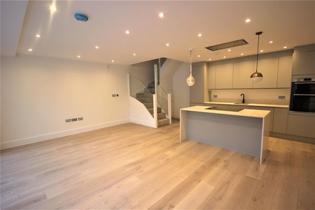 Thumbnail Flat for sale in Brownlow Road, Bounds Green, London