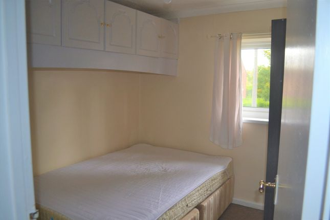 Bedroom of Aylesborough Close, Cambridge CB4