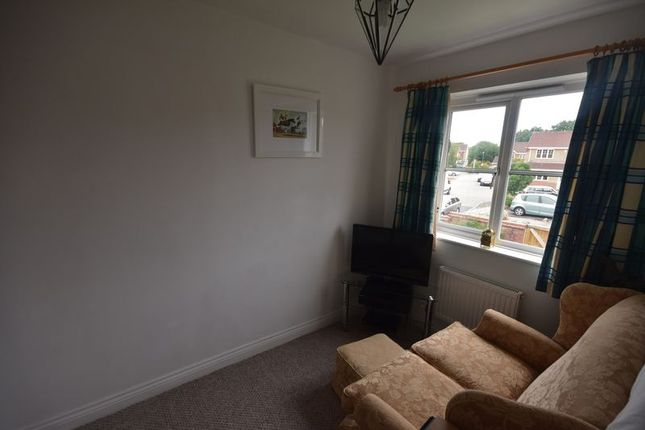 Photo 3 of Cave Grove, Emersons Green, Bristol BS16