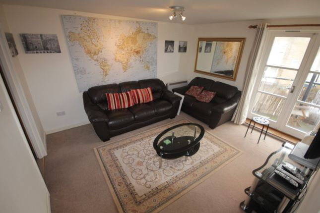 Thumbnail Flat to rent in Becklow Road, London