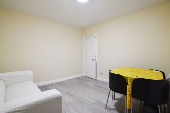 1 bed flat to rent in Kingsland Road, London E8
