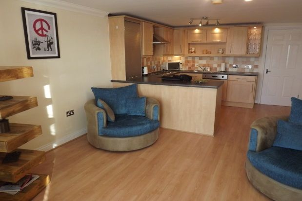 2 bed flat to rent in Ferry Approach, South Shields