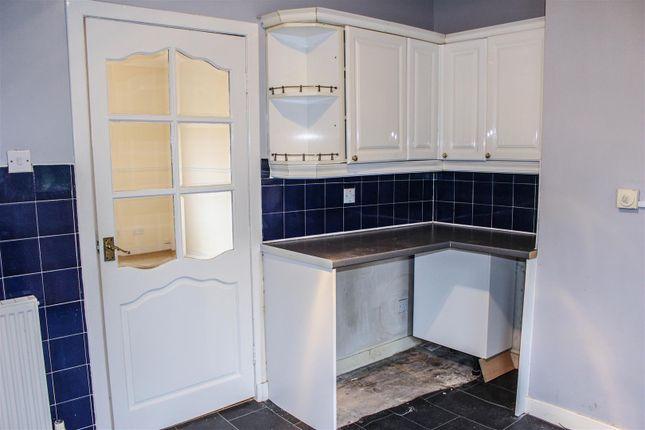 Kitchen of Kenmar Road, Hamilton ML3