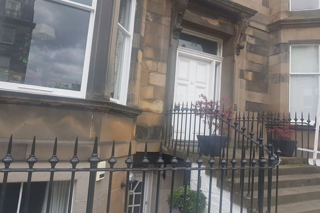 Thumbnail Flat to rent in Coates Gardens, Edinburgh