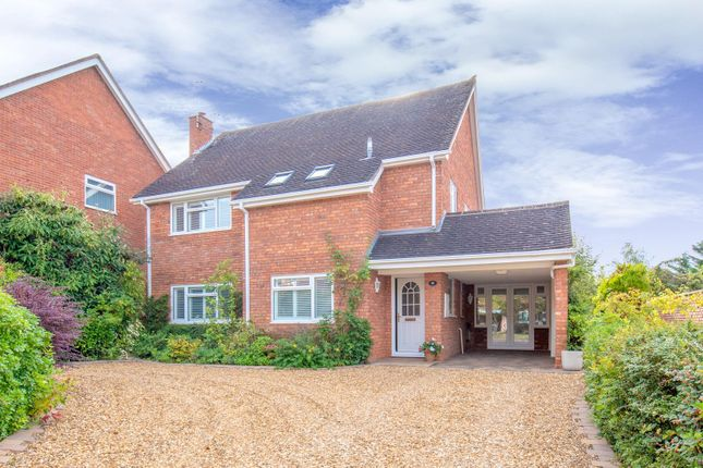 Thumbnail Detached house for sale in Campden Lawns, Alderminster, Stratford-Upon-Avon