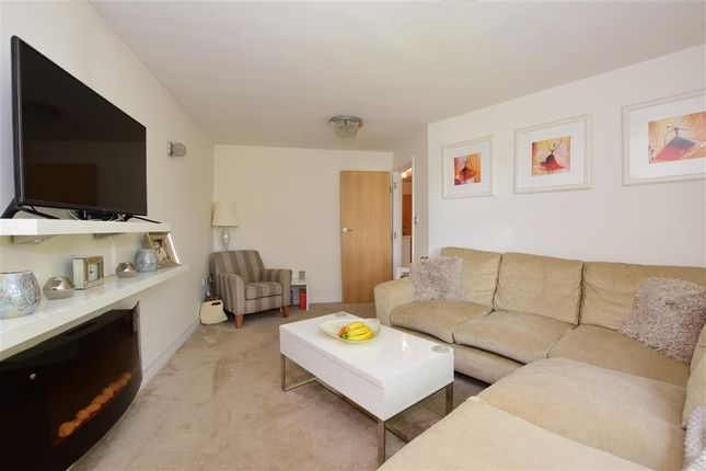Thumbnail Flat for sale in Western Road, Brentwood, Essex