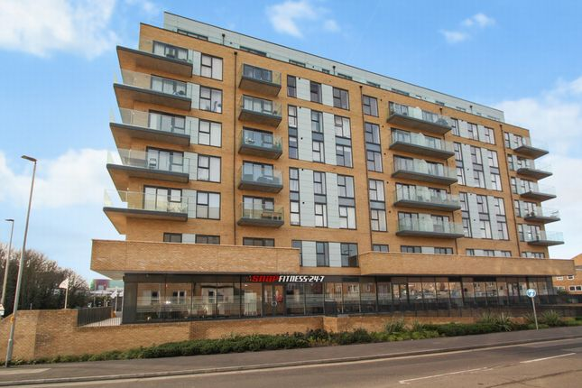 Thumbnail Flat to rent in Mill Pond Road, Dartford