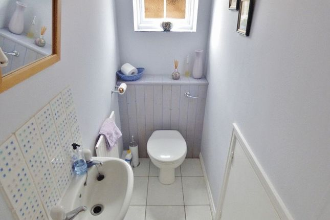 Cloakroom of Woodlands Road, Bookham, Leatherhead KT23