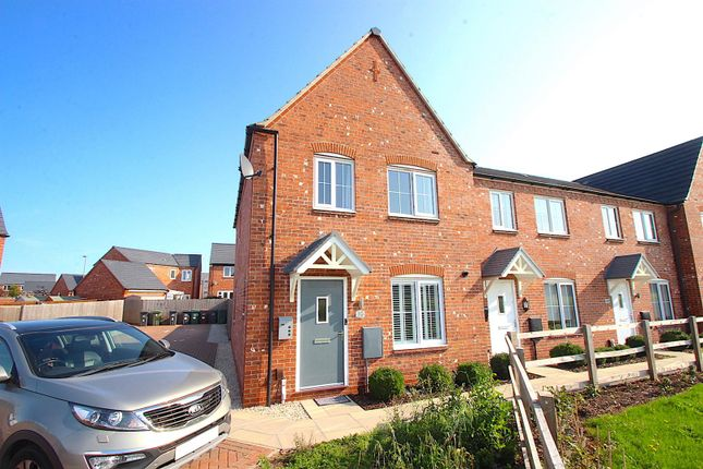 Thumbnail Town house for sale in Hertford Close, Syston, Leicester