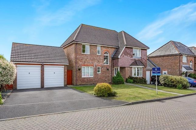 Thumbnail Detached house for sale in Idsworth Close, Horndean, Waterlooville
