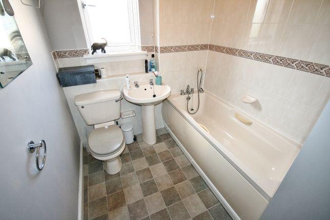 Bathroom of 59/6 Parkgrove Loan, Drum Brae, Edinburgh EH4