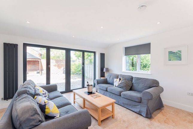 Thumbnail Semi-detached house to rent in Oxford Road, Gloucester