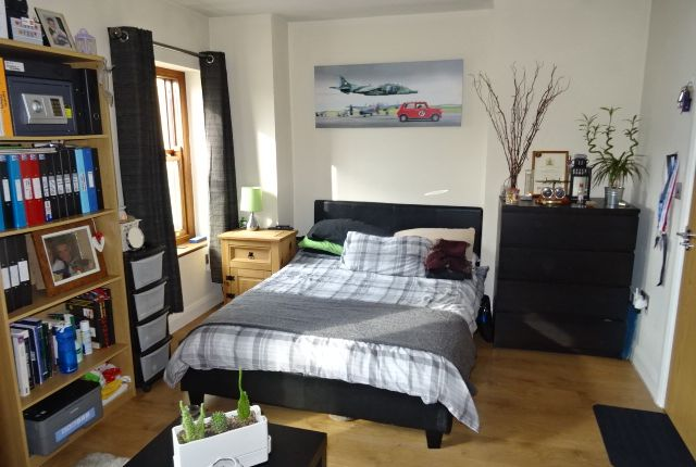 Thumbnail Flat to rent in Broadway, Treforest, Pontypridd