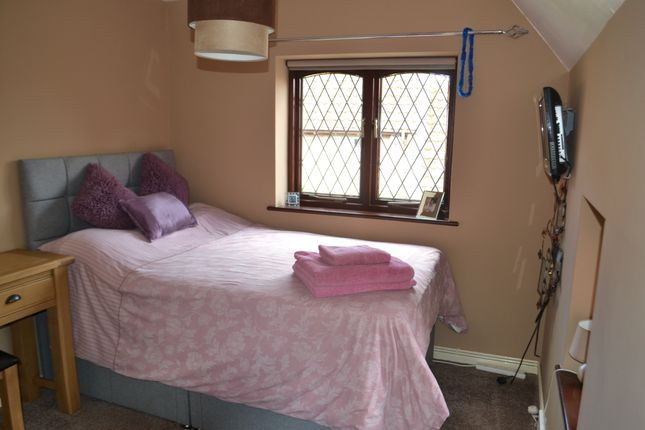 Thumbnail Room to rent in Church Street, Farndon, Newark