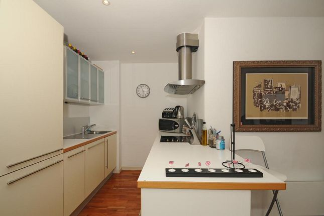 Kitchen 2 of Gainsborough Studios North, 1 Poole Street, London N1