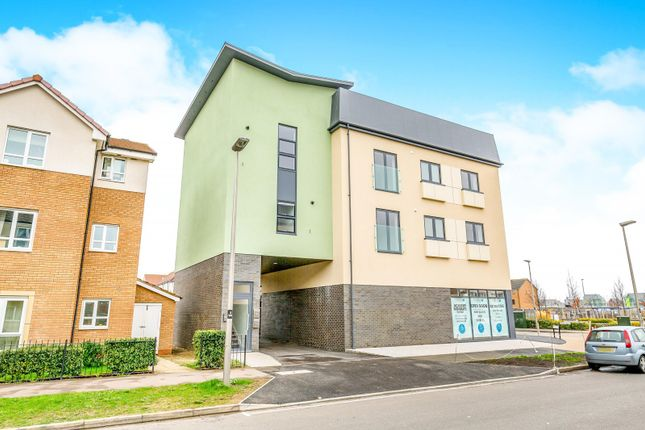 Thumbnail Flat to rent in Warwick Avenue, Broughton, Milton Keynes
