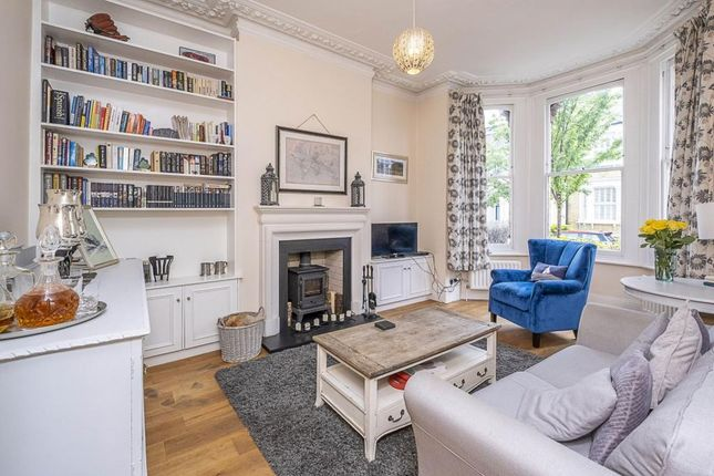 Thumbnail Flat to rent in Cromford Road, London