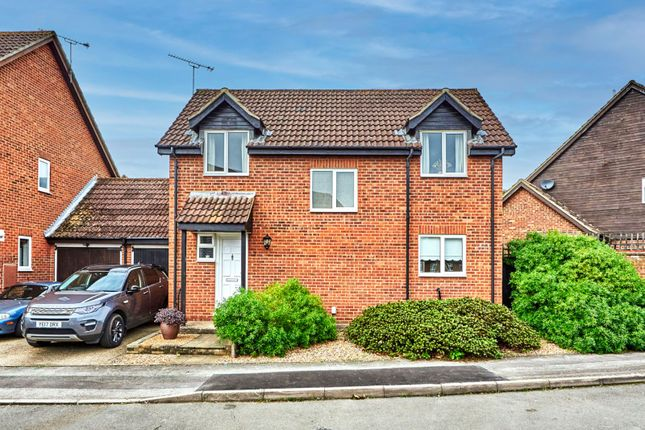 Thumbnail Link-detached house for sale in Highview Gardens, St. Albans, Hertfordshire