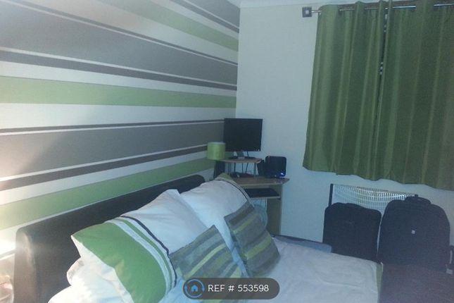 Thumbnail 2 bed flat to rent in Laburnum Road, Banknock