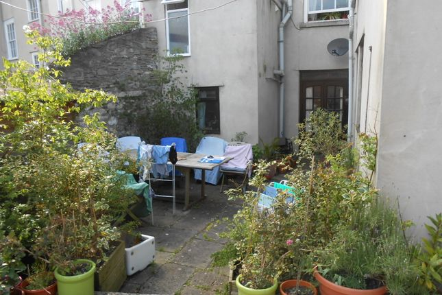 Thumbnail Flat to rent in Hotwell Rd, Hotwells Bristol