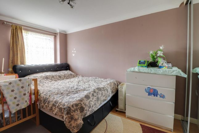 Thumbnail Property to rent in Kennedy Close, Cheshunt, Waltham Cross