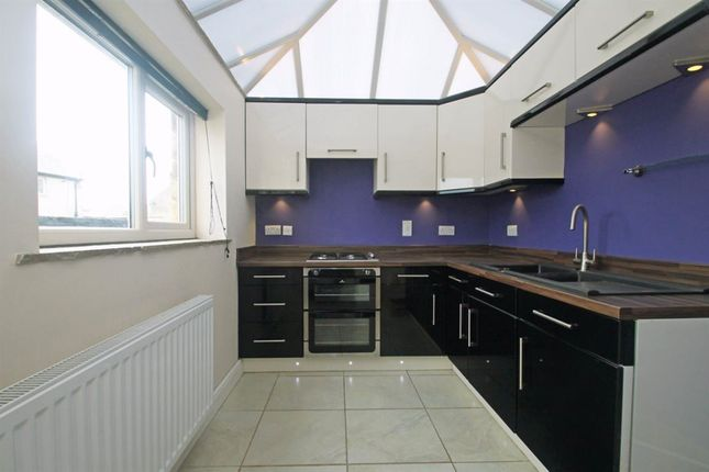 3 bed terraced house to rent in Brook Street, Hellifield, Skipton