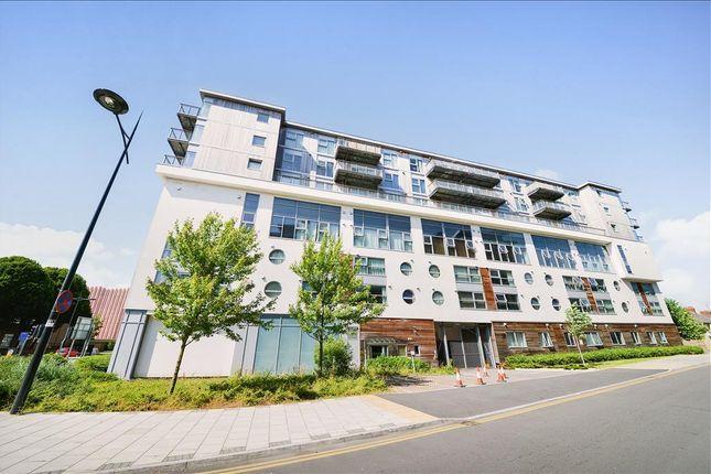 Thumbnail Flat to rent in Beckhampton Street, Swindon