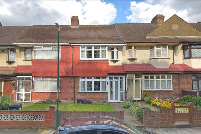 3 bed semi-detached house to rent in West Hill Drive, Dartford DA1