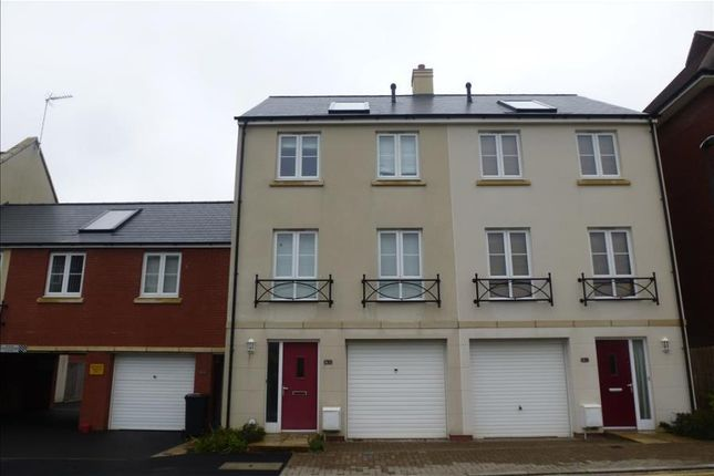 Thumbnail Town house to rent in East Fields Road, Cheswick Village, Bristol