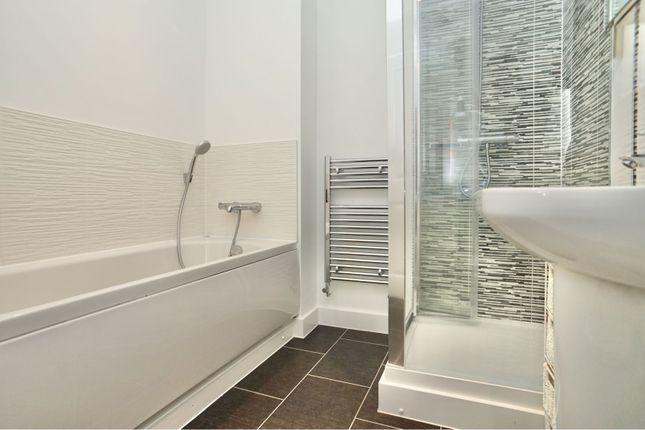 Bathroom of Sunburst Drive, Nuneaton CV11