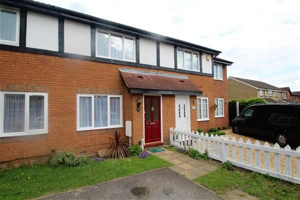 Thumbnail Terraced house to rent in Nine Elms Close, Feltham
