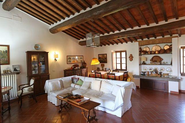 Piandolmo Montepulciano Living Dining Room