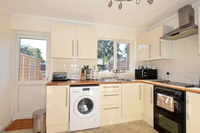 2 bed property for sale in Woodrush Crescent, Locks Heath, Southampton